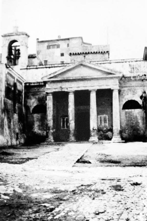 San Felice Circeo - L´ingresso della Chiesa di San Felice Martire prima del restauro